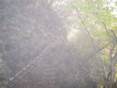 不安定な足場、早戸川河原161101-1