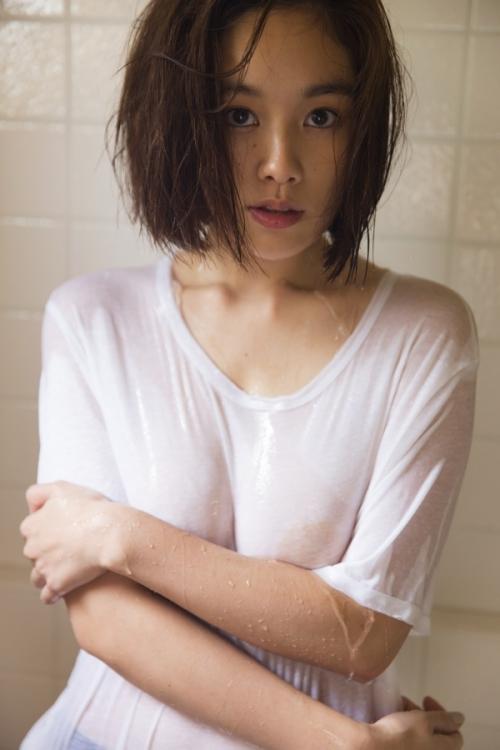 """筧美和子、写真集で修正なしの大胆セクシー """"ダイナマイトボディー""""を余すところなく凝縮"""