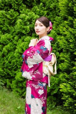 後藤真希、和装姿で初表紙「新春すてきな奥さん2017年版」、子育てを通じて感じた母への思いを告白