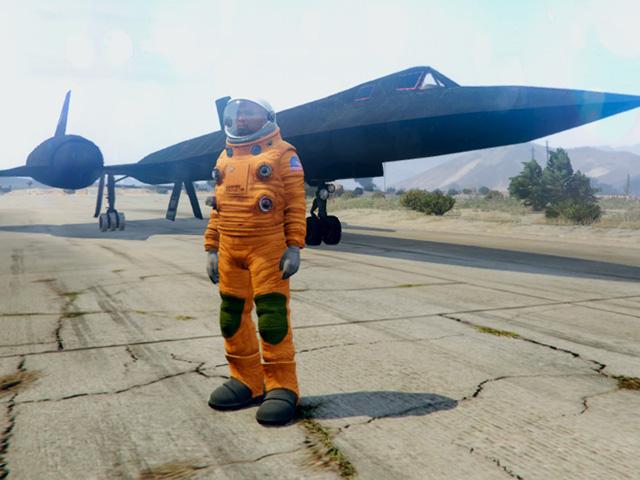 sr71_pilot_suit.jpg