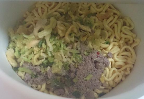 ヤサイ豚骨醤油02