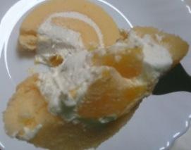 芳醇マンゴーのロールケーキ06