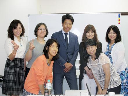 女性講師3-12