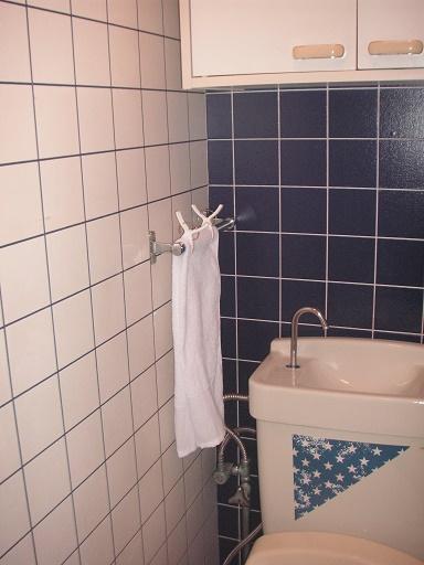 トイレ左側