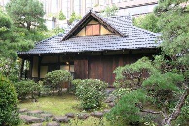 庭園内茶室