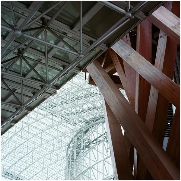 2-n-2-2016-7-17 金沢駅 21世紀美術館     ROLLEIFLEX           Planar   80mm     PORTRA400-28510001_R