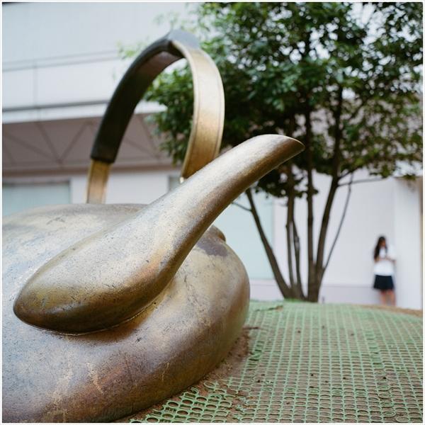 4-n-2016-7-17 金沢駅 21世紀美術館     ROLLEIFLEX         Planar   80mm     PORTRA400-28510006_R