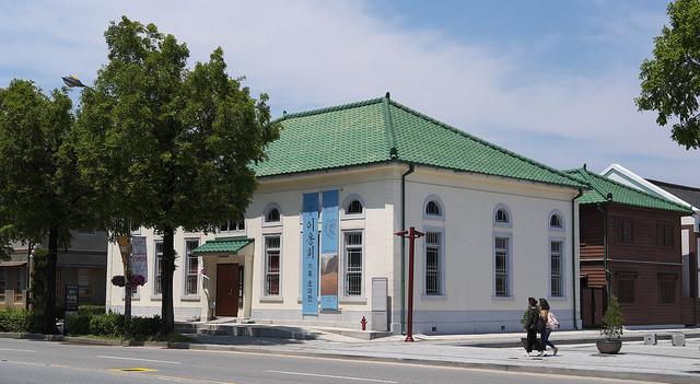 003群山近代美術館旧長崎十八銀行群山支店