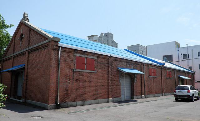 008旧群山税関本館裏側。倉庫か?