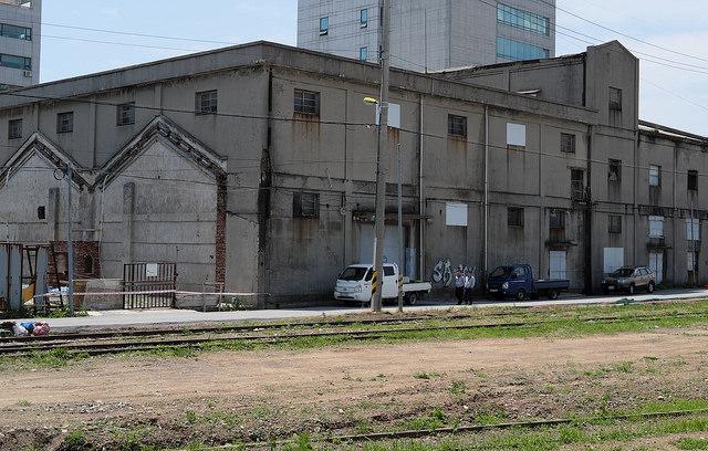 009群山港旧線路沿いの旧倉庫か?