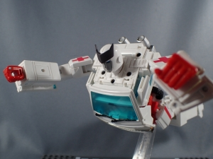 トランスフォーマー マスターピース MP-30 ラチェットで比較032