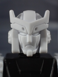 BotCon2016 Unpainted Class figure Ratchet004