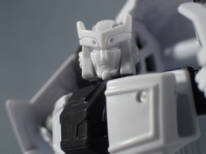 BotCon2016 Unpainted Class figure Ratchet007