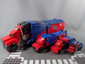 Transformers Robots in Disguise Decepticon Hunter Optimus Prime vs Decepticon Bludgeon Pack015