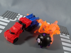 Transformers Robots in Disguise Decepticon Hunter Optimus Prime vs Decepticon Bludgeon Pack027