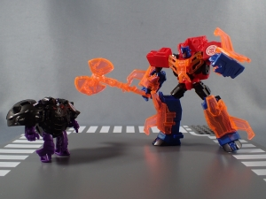 Transformers Robots in Disguise Decepticon Hunter Optimus Prime vs Decepticon Bludgeon Pack041
