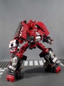 BotCon 2016 Dawn Of The Predacus Predacon General Ramhorn021