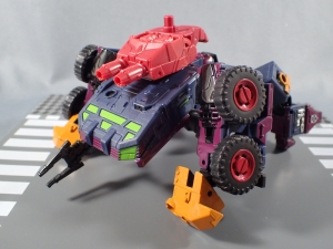 BotCon 2016 Dawn Of The Predacus Predacon Secret Police Tarantulas001