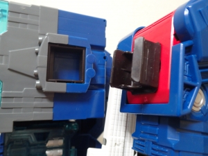 TF Titans Return Fortress Maximus 取り出し時 シールなし008