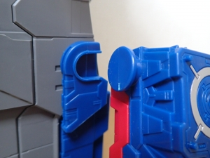TF Titans Return Fortress Maximus 取り出し時 シールなし009