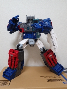 TF Titans Return Fortress Maximus 取り出し時 シールなし012