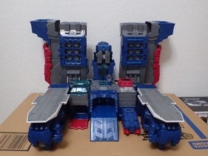 TF Titans Return Fortress Maximus 取り出し時 シールなし016