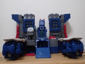 TF Titans Return Fortress Maximus 取り出し時 シールなし018