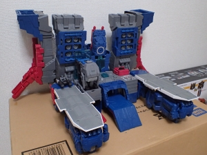 TF Titans Return Fortress Maximus 取り出し時 シールなし019