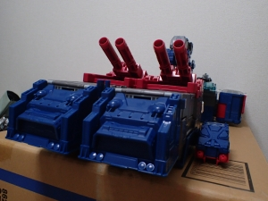 TF Titans Return Fortress Maximus 取り出し時 シールなし021