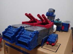 TF Titans Return Fortress Maximus 取り出し時 シールなし022