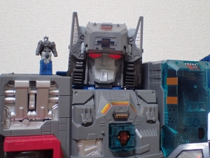 TF Titans Return Fortress Maximus 3形態003