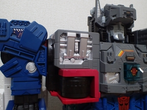TF Titans Return Fortress Maximus 3形態007