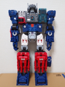 TF Titans Return Fortress Maximus 3形態011