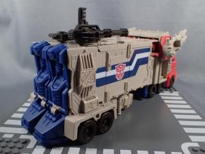 Transformers Generations Leader Powermaster Optimus Prime004