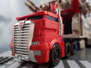 Transformers Generations Leader Powermaster Optimus Prime007
