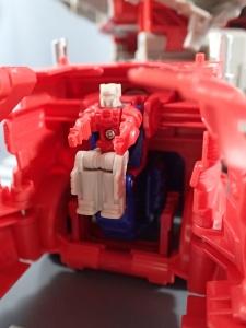 Transformers Generations Leader Powermaster Optimus Prime010