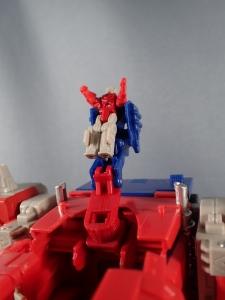 Transformers Generations Leader Powermaster Optimus Prime019