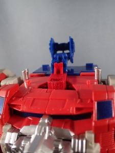 Transformers Generations Leader Powermaster Optimus Prime020