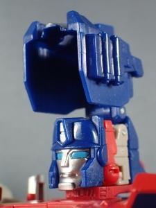 Transformers Generations Leader Powermaster Optimus Prime024