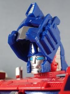 Transformers Generations Leader Powermaster Optimus Prime025