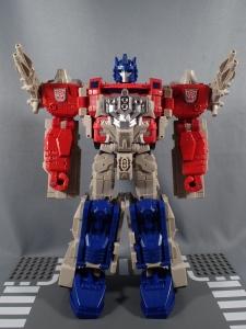 Transformers Generations Leader Powermaster Optimus Prime027