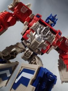Transformers Generations Leader Powermaster Optimus Prime035