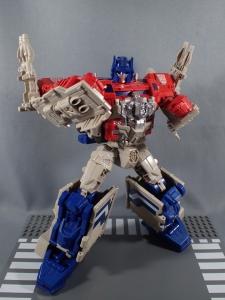 Transformers Generations Leader Powermaster Optimus Prime039