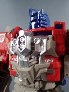 Transformers Generations Leader Powermaster Optimus Prime041