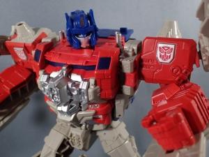 Transformers Generations Leader Powermaster Optimus Prime043