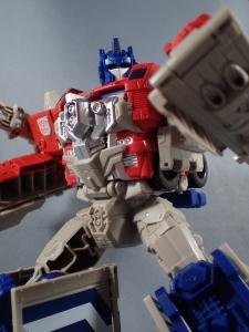 Transformers Generations Leader Powermaster Optimus Prime044