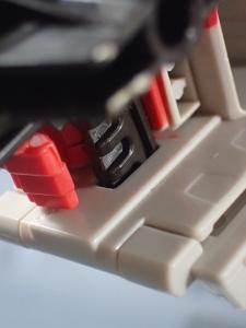 Transformers Generations Leader Powermaster Optimus Prime052