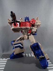 Transformers Generations Leader Powermaster Optimus Prime065