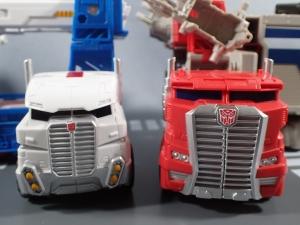 Transformers Generations パワーマスター オプティマスプライムで遊ぼう013