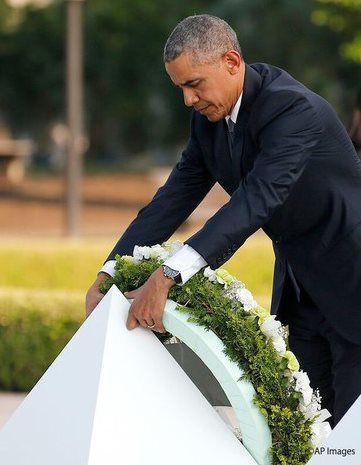 オバマ大統領 献花 2
